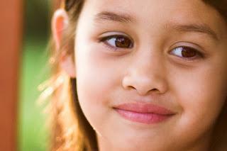 9 Alasan Keren Mengapa Kita Harus Banyak Tersenyum