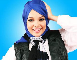 Model Hijab Dewi Sandra