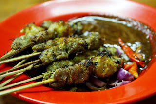 Kuliner Indonesia -  Sate Klopo Ondomohen Ny. Asih