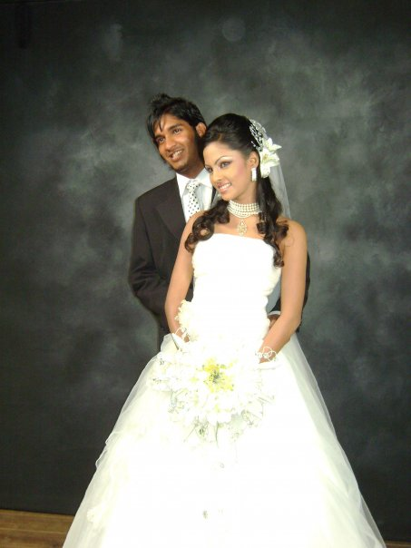 Wedding Photo Musts: Actress Shalani Tharakas Wedding Photos