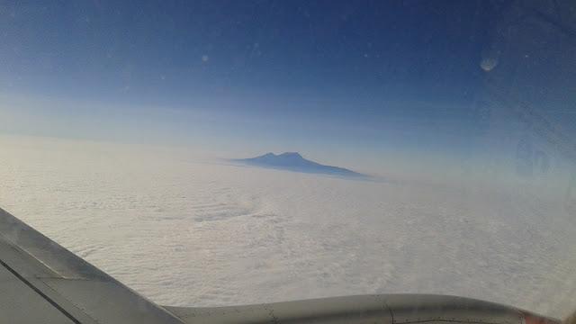 Monte Kilimanjaro entre las nubes