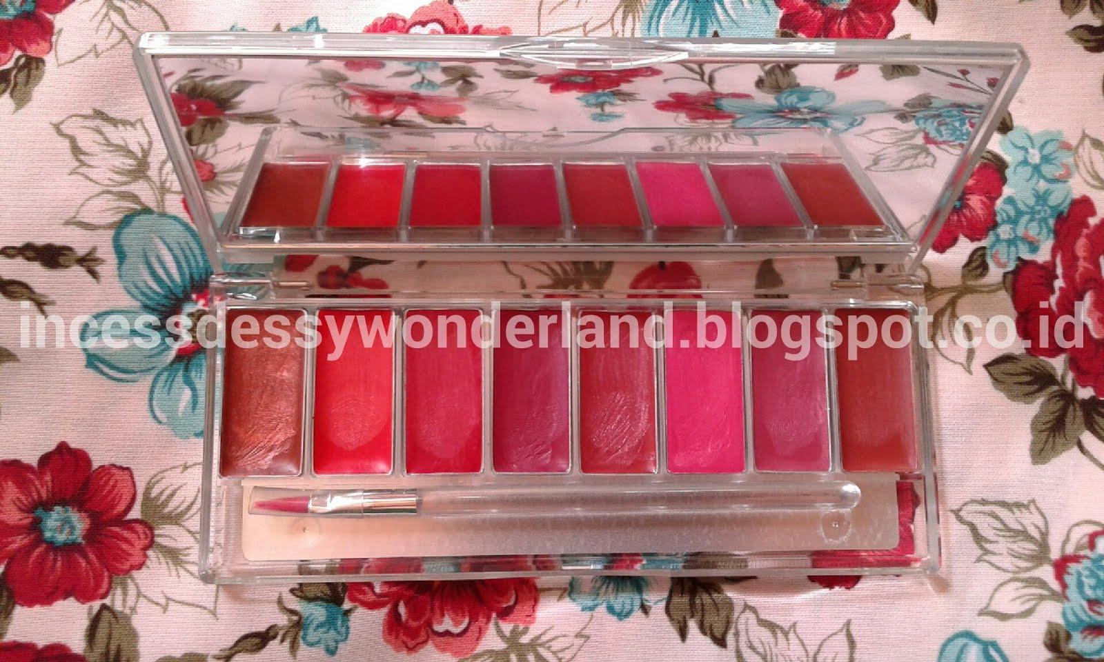 Dessy Journal Review And Swatch Wardah Perfect Red Lip Palette Pinky Peach Bagian Dalamnya Ada 8 Warna Berjajar Sudah Cerminnya Juga Lumayan Besar Lho Seukuran Kemasan