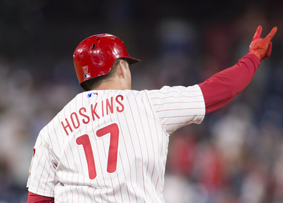 Phillies bats stay hot, Hoskins drives in four