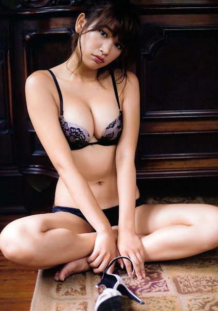 Hisamatsu Ikumi 久松郁実 La iku Photobook 15