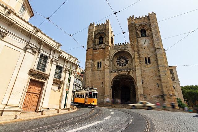 Voltagem e tomada usada em Portugal