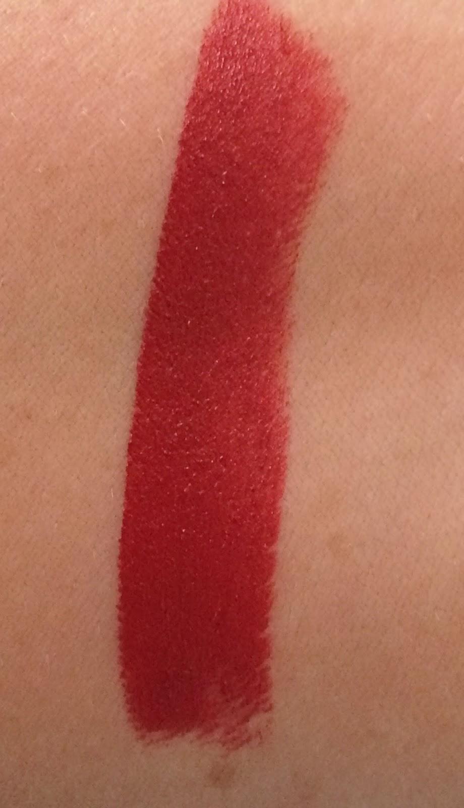 Benecos Catwalk lipstick swatch