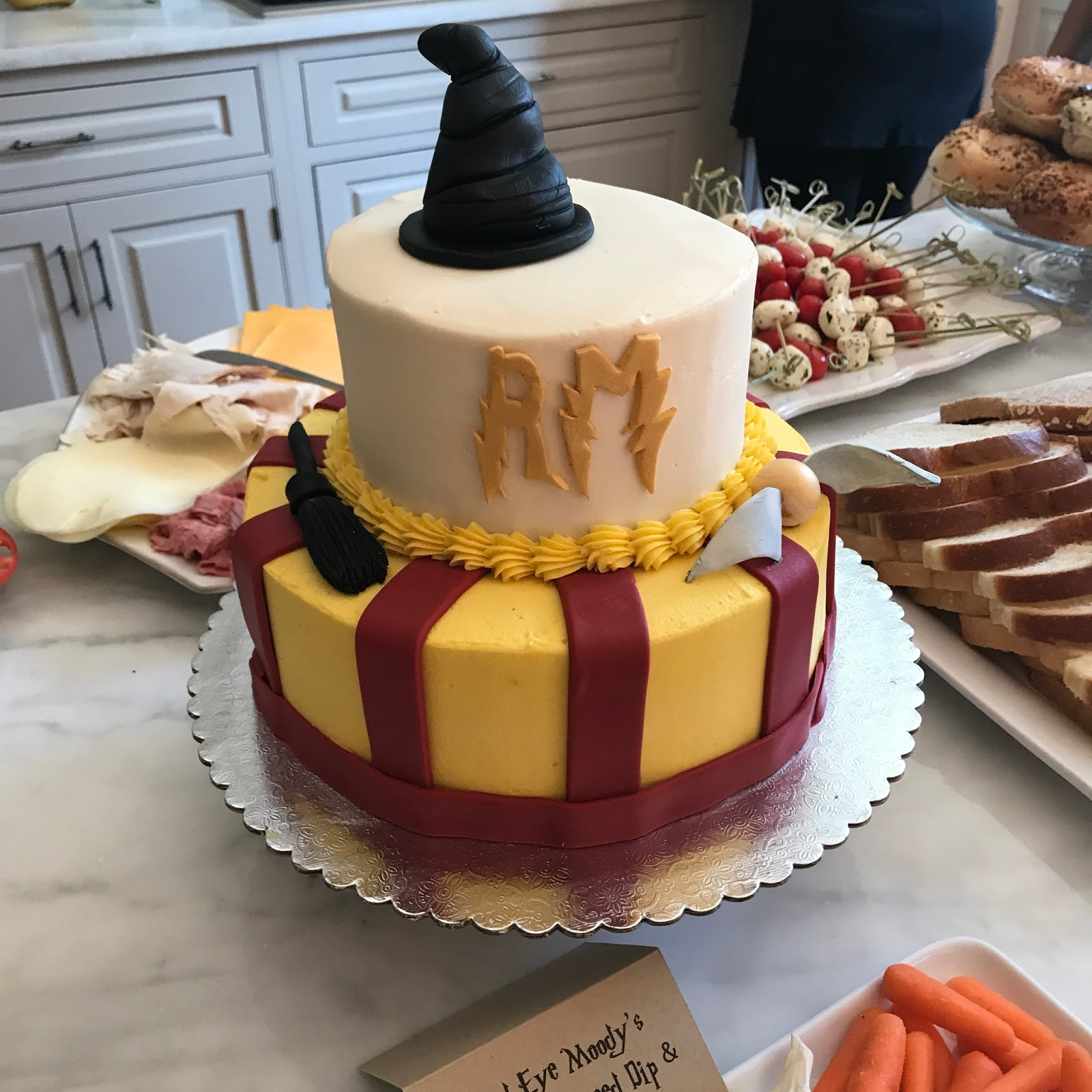 HOWEVER!! I Did Recently Have The Opportunity To Order A Super Cool Fancy  Cake ... I Co Hosted A Harry Potter Themed Baby Shower ... Now Look At This  ...