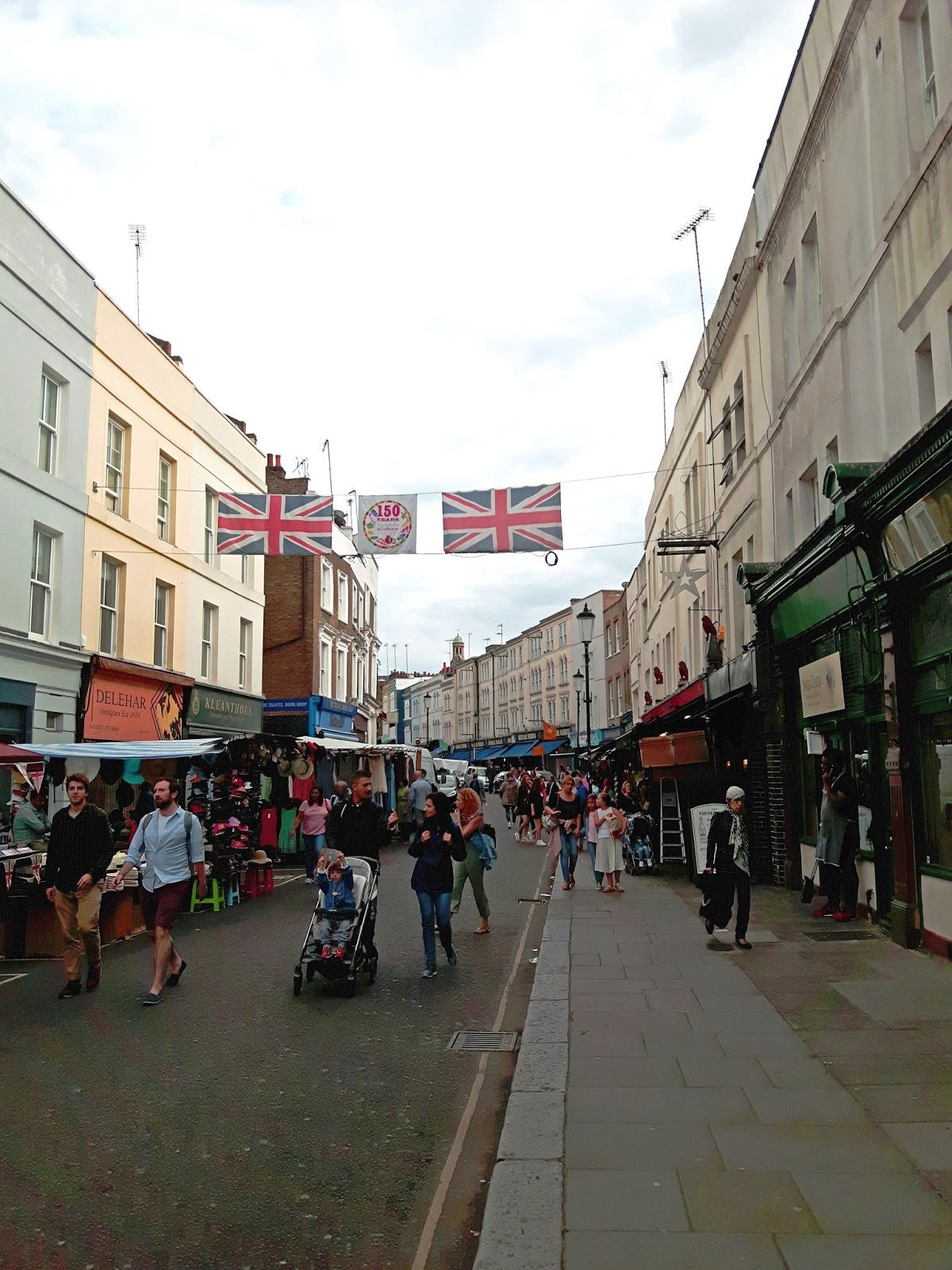 Places to visit in London: Portobello Road Market in Notting Hill - what to do in London, cheap places to visit, travel tips