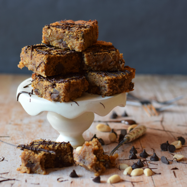 How to make vegan blondies with chickpeas