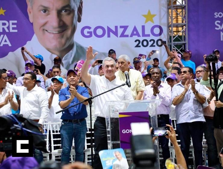 Gonzalo Castillo ofrece RD$2 millones a quien cante para su campaña