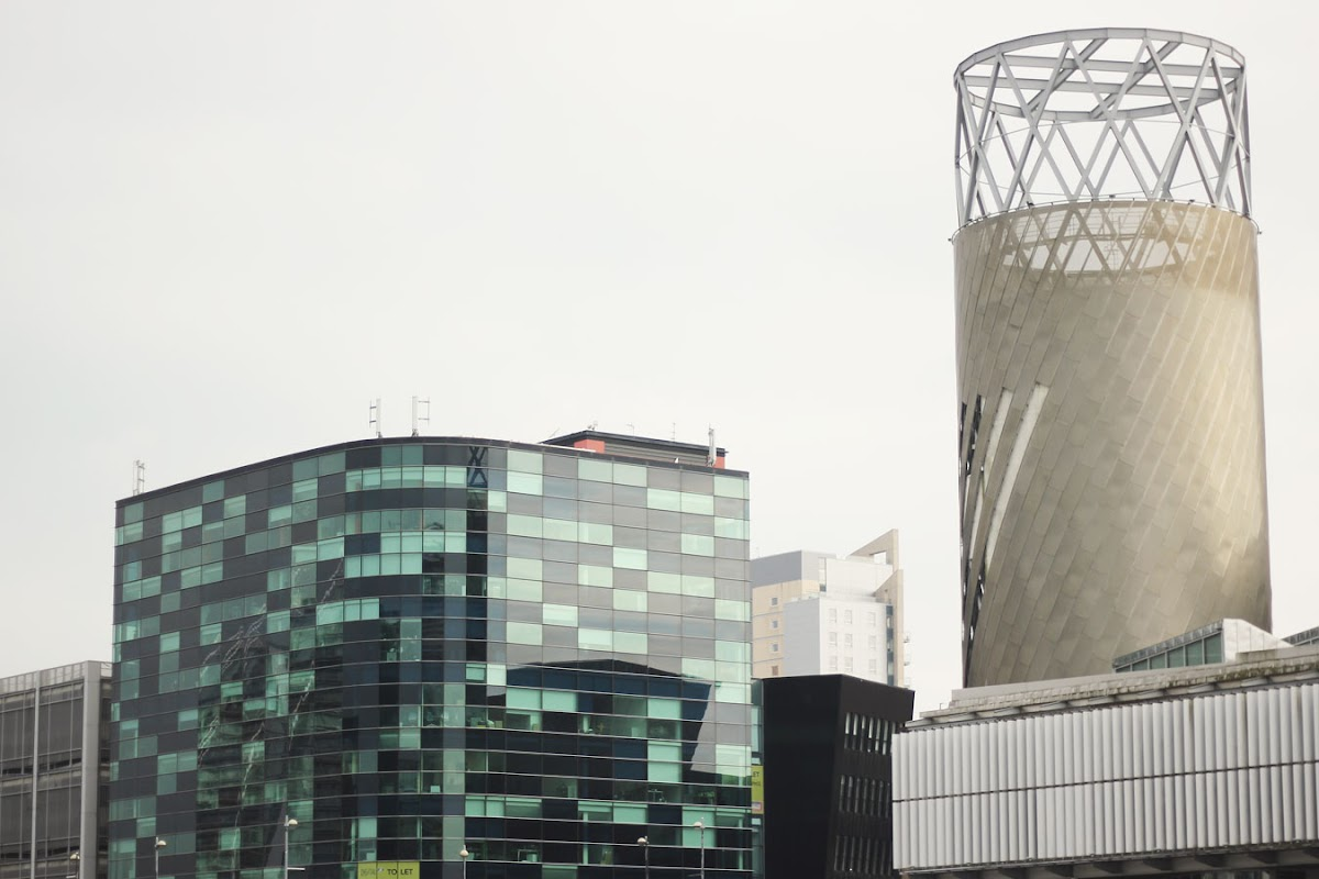 Salford Quays, Lowry theatre building | www.itscohen.co.uk