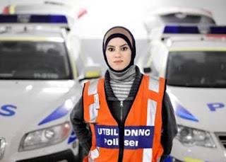 Donna Eljammal, 5 Wanita Berjilbab dengan Profesi Tak Lazim