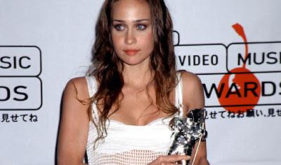 Fiona Apple en los premios MTV de 1997