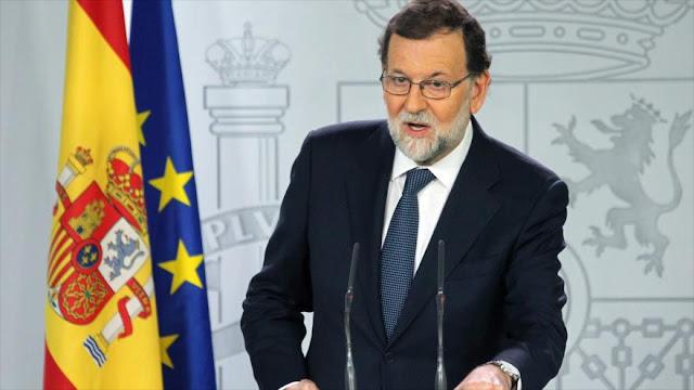 Rajoy pide a Puigdemont aclarar si declaró la independencia o no