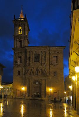 Iglesia de San Isidoro en la Plaza del Ayuntamiento