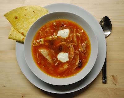 Soupe de poulet à la mexicaine