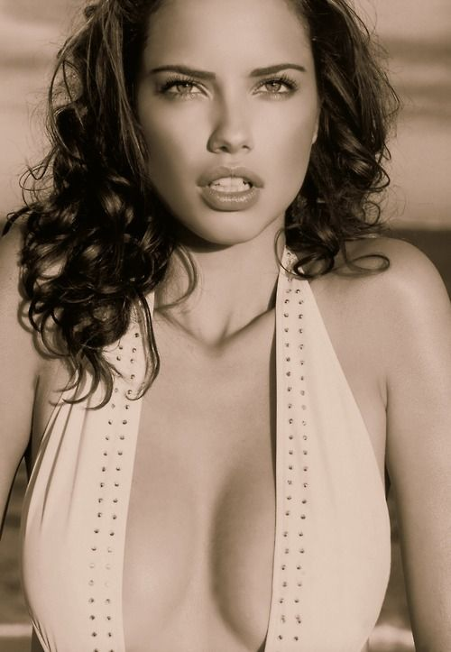 Adriana Lima Hot Photo Gallery