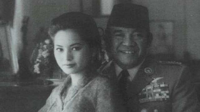 G 30 S PKI - Di Malam Penculikan Jenderal TNI, Ternyata Bung Karno Melakukan Hal ini dengan Dewi