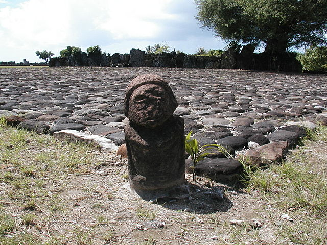 タプタプアテア タヒチ ライアテア島