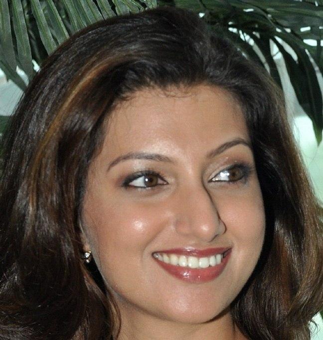 Actress Hamsa Nandini Face Close Up Smiling Stills