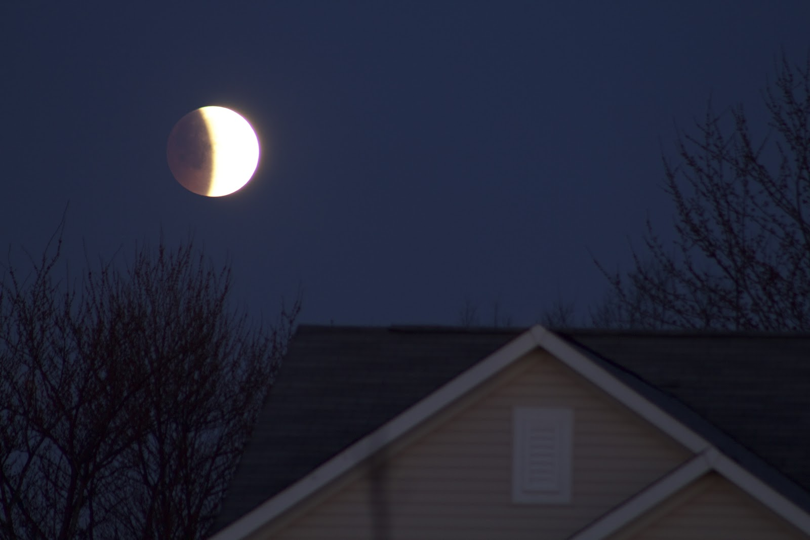 lunar eclipse photo april 4