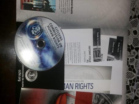 اثبات وصول قرص DvD حول حقوق الإنسان مجانا وحتى باب بيتي