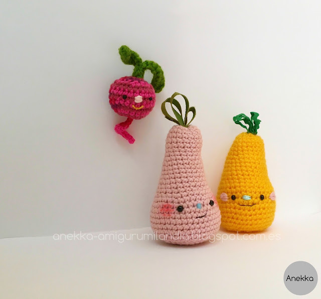amigurumi pears and beet