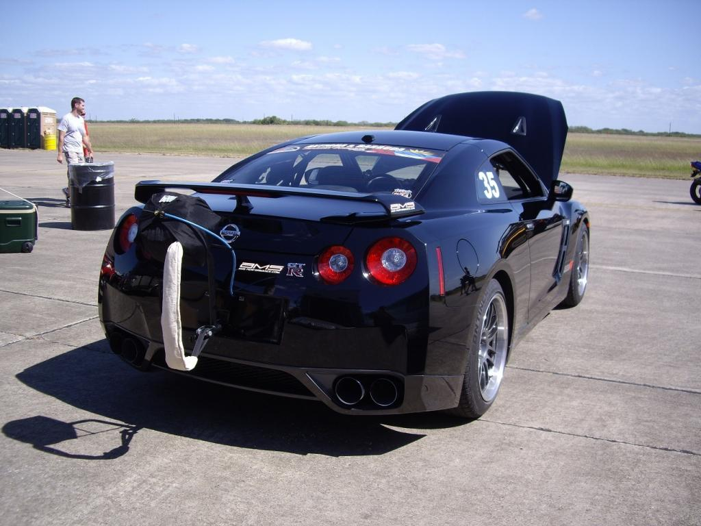 216 9 mph fastest nissan gt r in the world. Black Bedroom Furniture Sets. Home Design Ideas