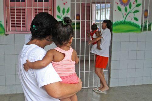 STF concede prisão domiciliar a gestantes e mães presas