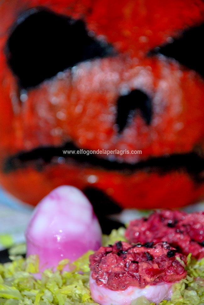 Huevos terroríficos rellenos Halloween