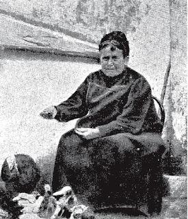 Fotografía de Rosario de Acuña en El Cervigón, publicada en 1911