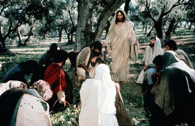 «Ο Ιησούς από τη Ναζαρέτ»: Ο Τζεφιρέλι περιγράφει συγκλονιστική στιγμή από τη σταύρωση 2