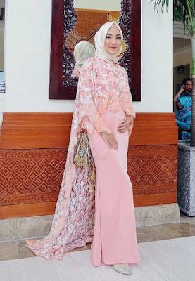 model kebaya batik untuk pesta muslim