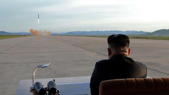 Corea del Norte difunde fotos y un video de su última prueba de misil