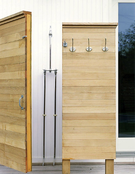 Outdoor shower | Image by Murdock Young via Remodelista