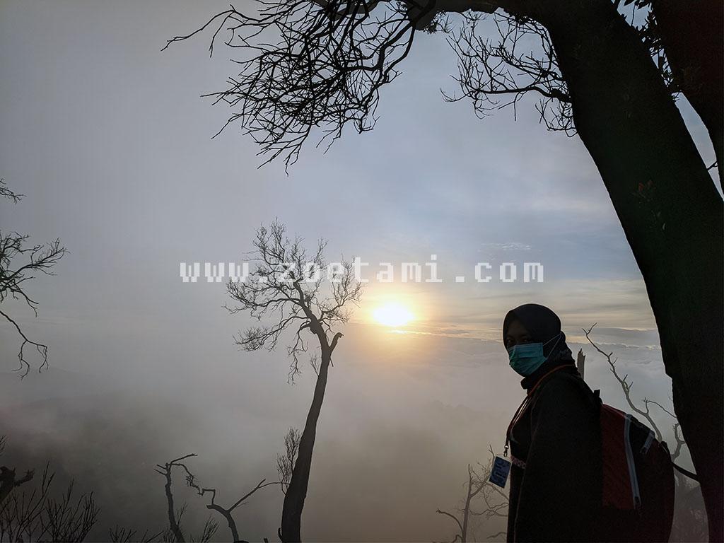 Langkah-langkah Berkunjung ke Kawah Putih Saat Sunrise