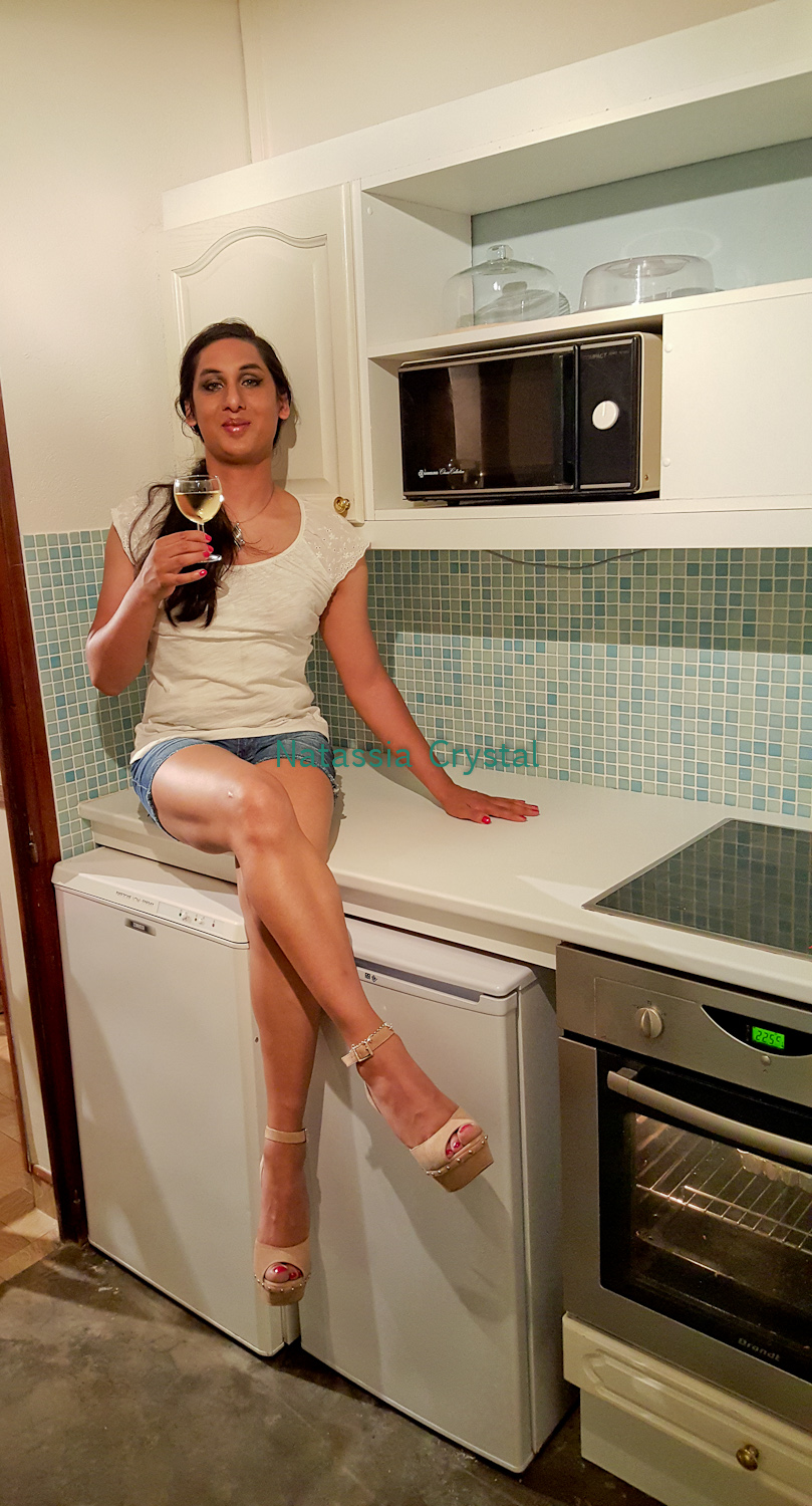 Natassia 39 s place for fashion high heels and geekiness for Naked in kitchen pics