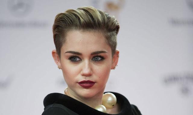 Video: Miley Cyrus - Malibu
