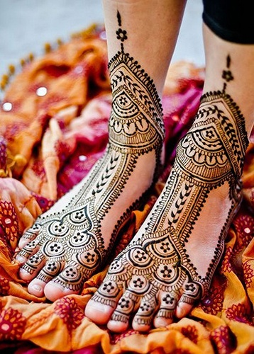 Mehndi Designs for Leg