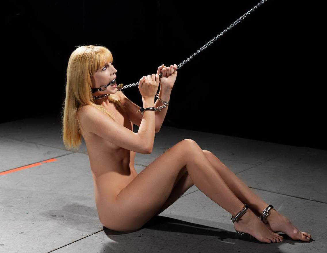 девушки рабыни оковы наручники - 10