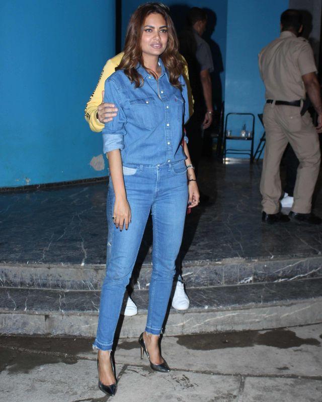 Esha Gupta At Arbaaz Khan Birthday Celebrations Mumbai