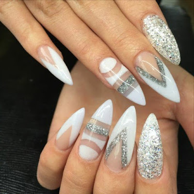 Model-nail-long-manicure-unique-white-and-silver-effect-shiny