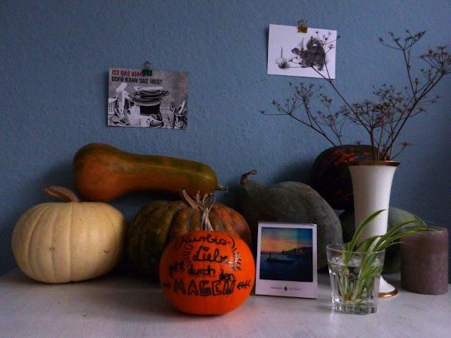 Herbst Kürbis bemalen DIY Handlettering Deko