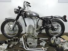 Royal Enfield Motorcycles: Royal Enfield Indian Tomahawk ...