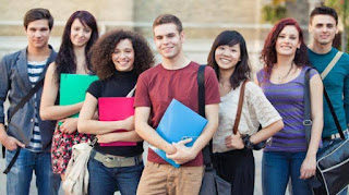 How Students Makes Money While On Campus For 2020 ? Start An Online Business