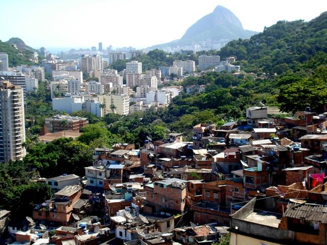 Comunidade Dona Marta, em Botafogo, no Rio de Janeiro. Foto de Marcelo Migliaccio