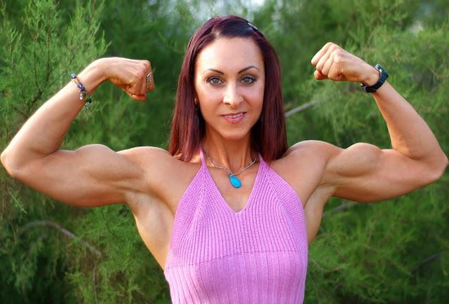 Katarzyna Kozakiewicz - Female Fitness Competitor