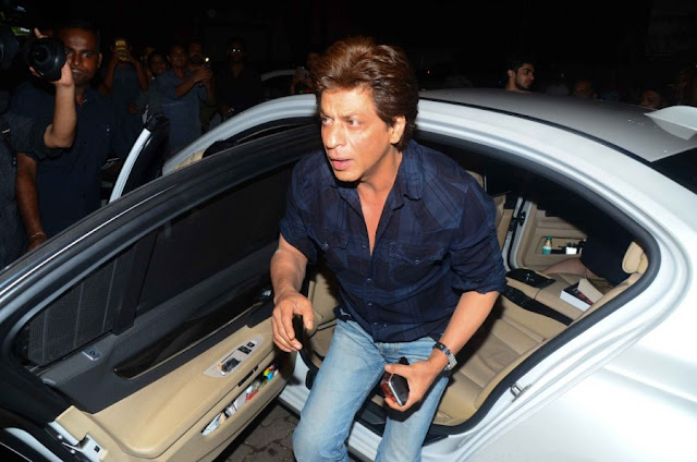 Shah Rukh Met Imtiaz Ali for Late Night Dinner at Corner House