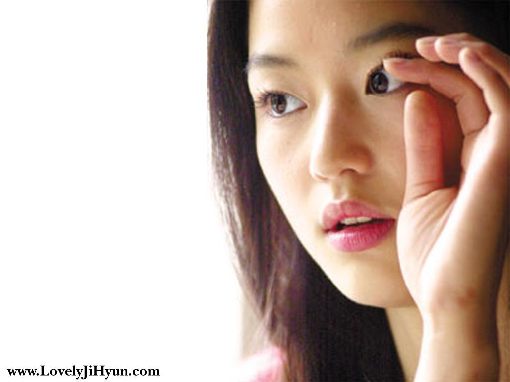 Berat Badan Naik, Jun Ji Hyun Jadi Bahan Olokan