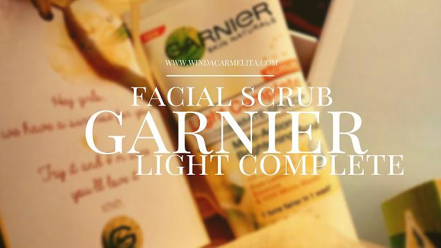 Garnier Light Complete Facial Scrub
